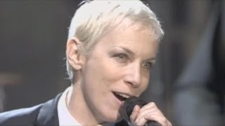 Eurythmics - Sweet Dreams Are Made of This. LIVE 2005
