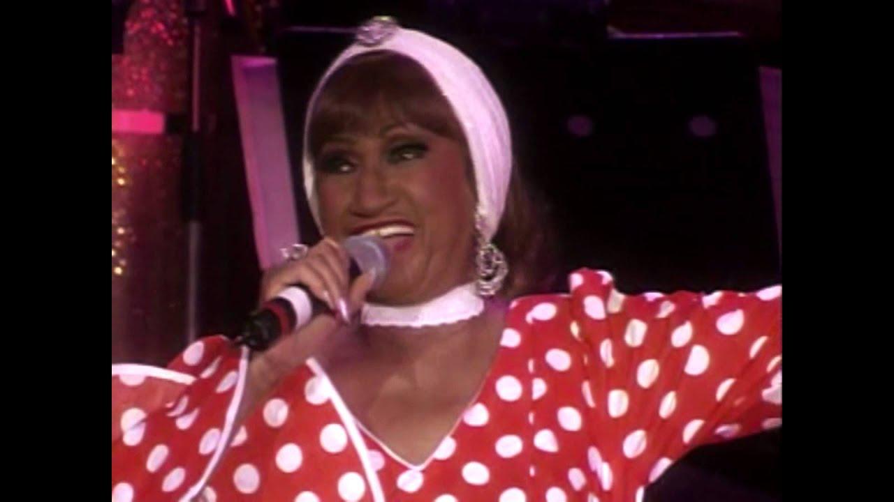 Celia Cruz La Vida Es Un Carnaval Youtube
