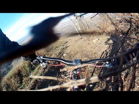 Aventuri pe bicicleta : Downhill spre Cuvin