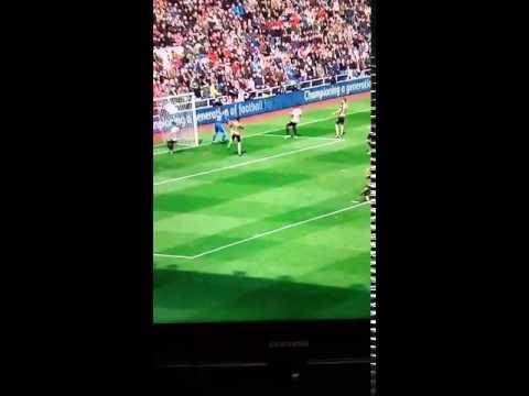 Mesut Ozil screams 'Fu*k sake' at Hector Bellerin
