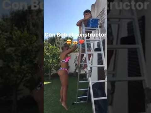 María Sol Pérez saltando en bikini HOT... thumbnail