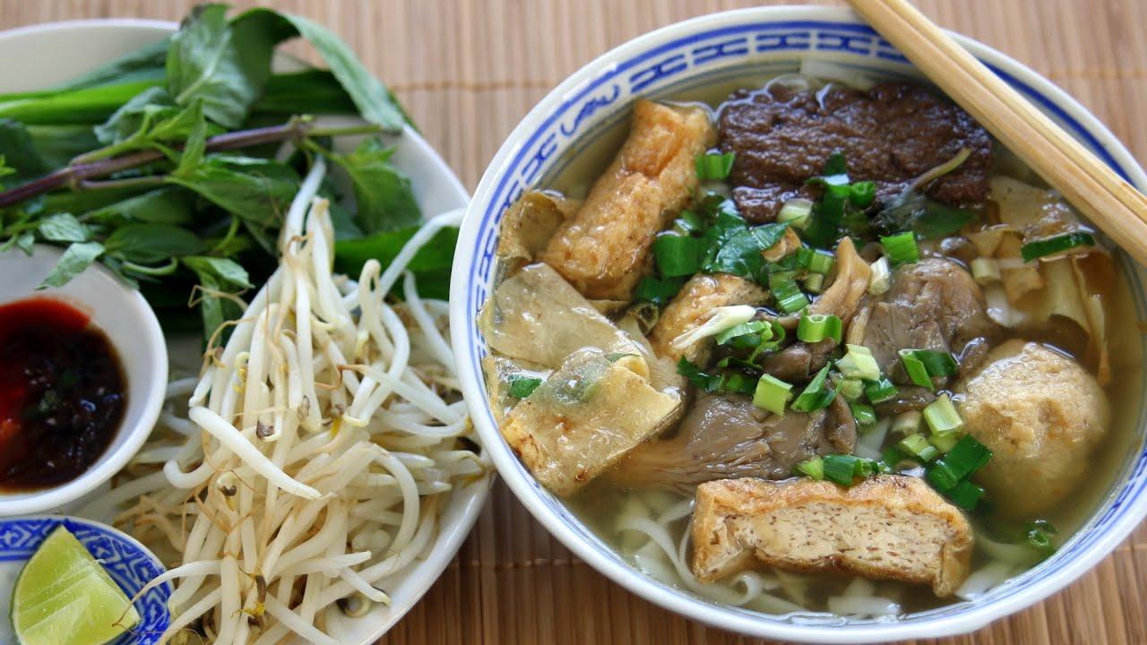 PHỞ CHAY - Vietnamese VEGAN NOODLE SOUP Recipe - YouTube