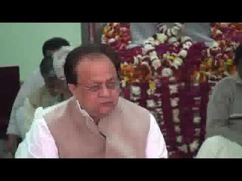 Prabhu Ji Sangati Sharan Tihari - Ramashram Satsang Mathura Bhajan - Mathura Bhandara video