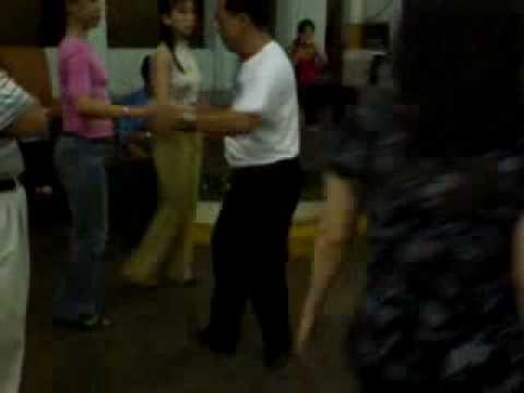 Khieu vu Bebop ( 1 nam 2 nu )