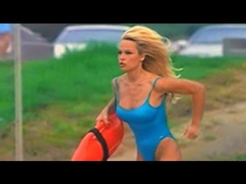 Pamela Anderson and Alexandra Paul in Baywatch Season 4