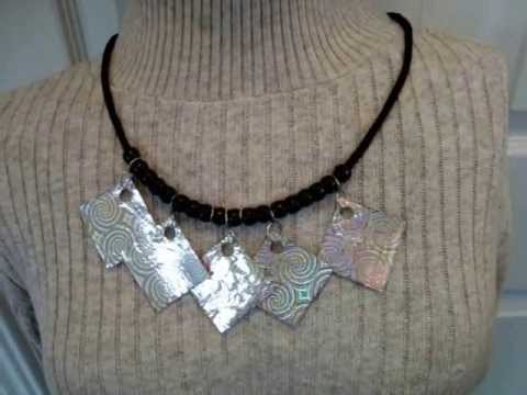 PAPER BEADS FROM GIFT WRAPPING PAPER. how to diy. jewery making. silver necklace