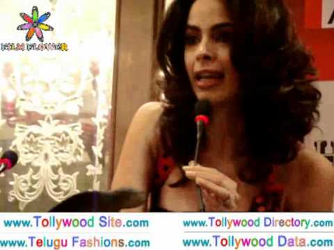 Mallika Sherawat Sexiest Video Talking About Hisss Movie On Hyderabad Taj Krishna video