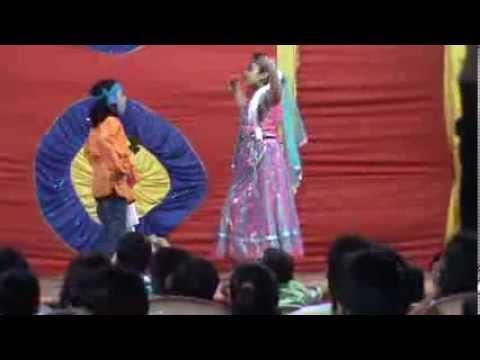 Kyon aage peeche dolte ho dance by Dhriti