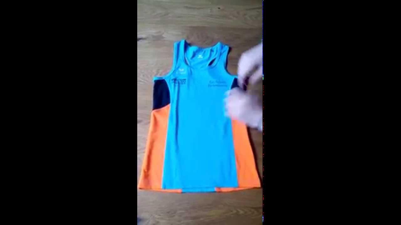 Plier facilement un t shirt des clat s 2 youtube - Comment plier un t shirt ...