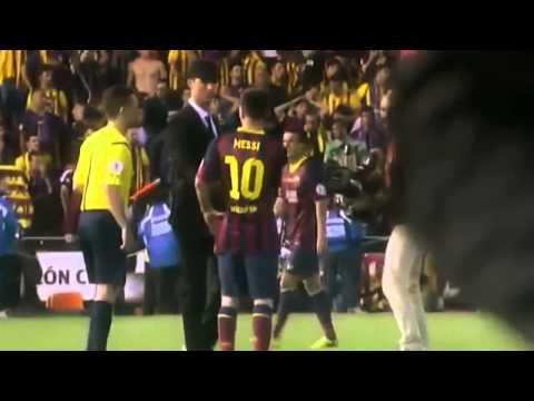 Cristiano Ronaldo Console Messi apres la Final Copa del Rey 2014  كريستيانو رونالدو يعزي ميسي