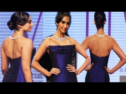 Gorgeous Sonam Kapoor Showing Hot Curve Back In Blue Dress video