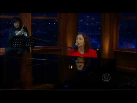 Regina Spektor - The Calculation (Live on The Late Late Show)