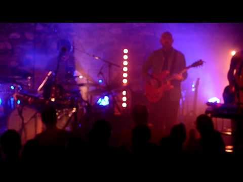 Wave Machines - Dead Houses (Live @ Café de la Danse, Paris 17-04-2013)