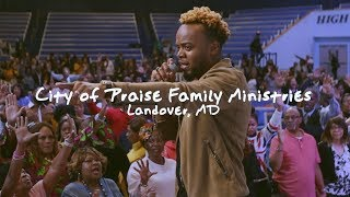 Some Walls Only Fall With a Shout / Travis Greene at City of Praise