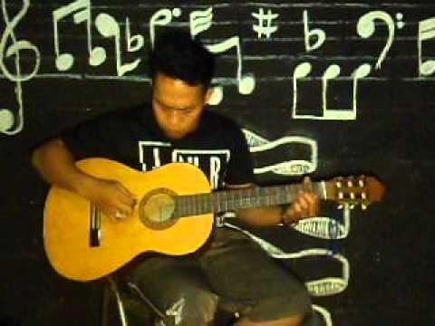 download lagu JAMRUD-TELAT 3 BULAN ADEMARO AKUSTIK COV gratis