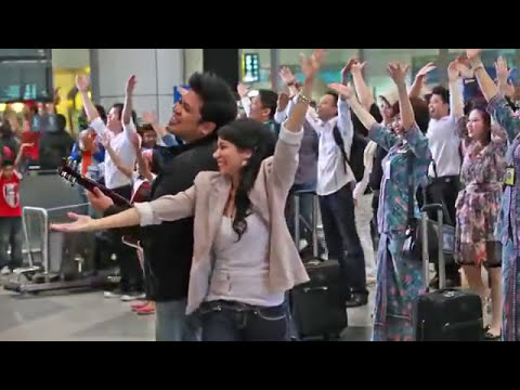 Official Video [ Flash MOB ] Malaysia Airlines 'Missing You' Flash Mob at KLIA