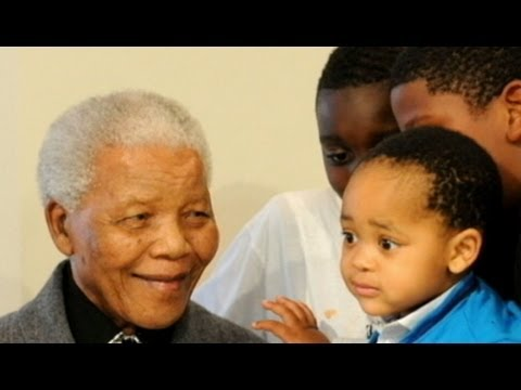 Nelson Mandela Hospitalized With Lung Infection in Pretoria, South Africa