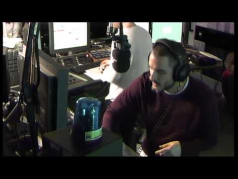 Zane Lowe spins tunes on the Nickstape!