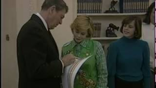 President Reagan's Photo Opportunities in the Oval Office on January 9, 1986