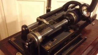 Thomas Edison's Electric Light Bulb Band Video - Edison Home Model D 2-4 minute phonograph