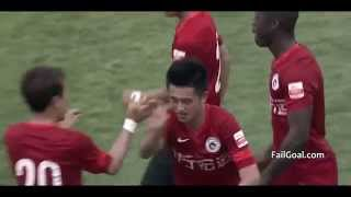 Funny! A free kick it quickly Goalkeeper was in the water Liaoning Whowin VS Chongqing Lifan