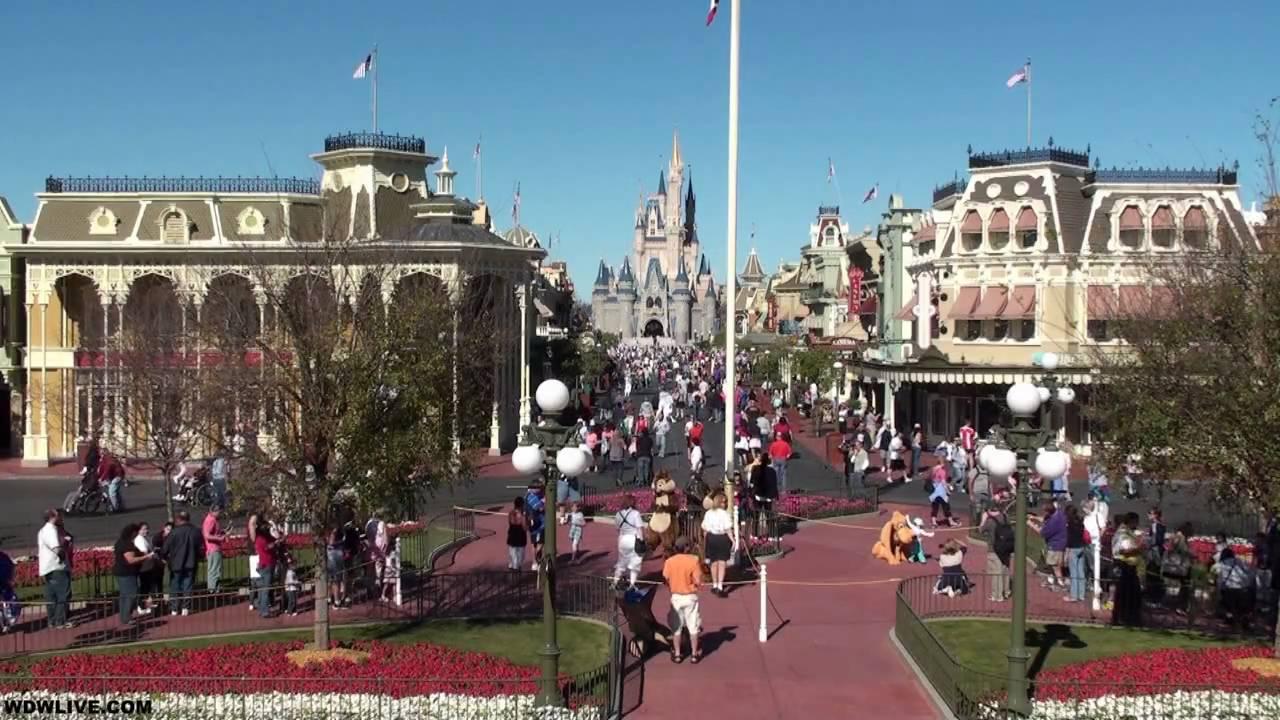 Main Street U.S.A. from the Magic Kingdom in HD - YouTube