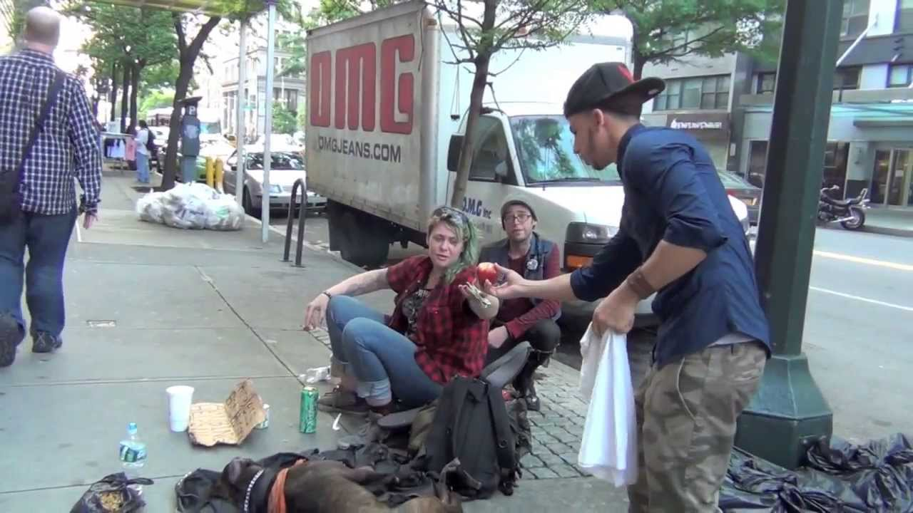 People Doing Good Things For Others MAKE THE HOMELESS SMILE