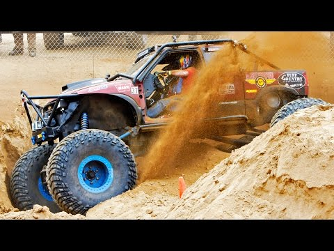 The Mini Rubicon and Obstacle Course! - Top Truck Challenge 2014