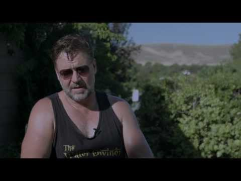 """Winter's Tale: Russell Crowe """"Pearly Soames"""" On Set Movie Interview"""