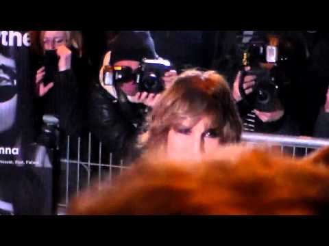 Noomi RAPACE @ Paris Fashion Week 8 march 2015 show Givenchy