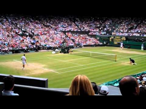 Wimbledon 2011 semi-final:  Novak Djokovic v Jo-Wilfried Tsonga - end of 3rd set