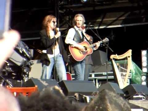 Legendary Patti Smith performs Because The Night @ Hop Farm Festival