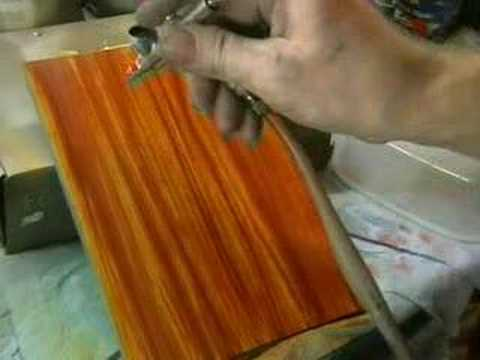 airbrush holz imitieren airbrushanleitung custompainting paint wood easy youtube. Black Bedroom Furniture Sets. Home Design Ideas