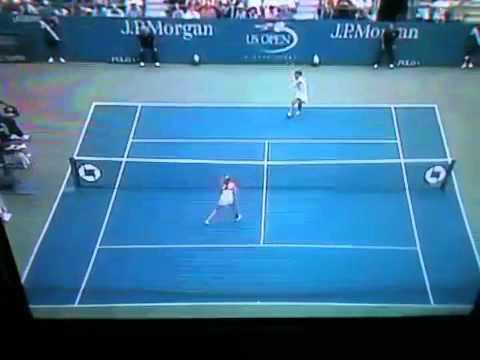 Francesca Schiavone hits a tweener! US Open 2010