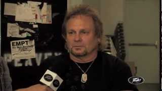 MICHAEL ANTHONY Talks About His New PEAVEY Signature Amp To PVTV