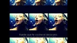 Madonna Video - She's Not Me - Madonna [Sticky and Sweet Tour] (Subtitulada)