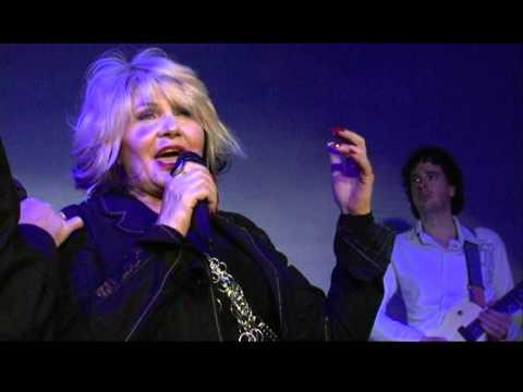 Dario Gay feat. Aida Cooper – CAPITA (videoclip 2010)