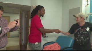 NFL star Bud Dupree visits kids at Beverly Knight Olson Children's Hospital