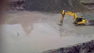 Excavator vs buaya