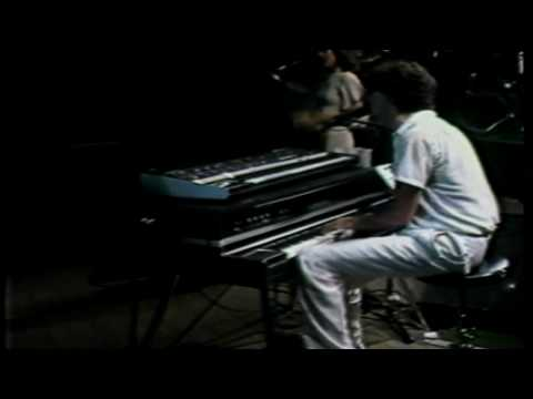 Charly Garcia - No Me Dejan Salir
