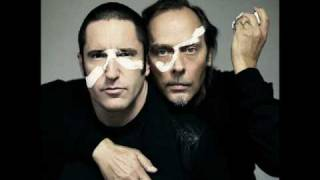 Trent Reznor & Peter Murphy - Dead Souls