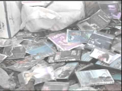 PC destroi 120 mil CDs e DVDs piratas em Ituiutaba