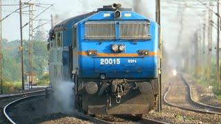 Darjeeling Mail + Padatik + Saraighat | Heavily Delayed trains skipping under Broad daylight !!!