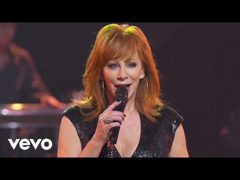 Download Lagu Reba McEntire - Going Out Like That (Outnumber Hunger Concert) MP3 Free