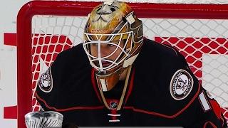 Bernier takes over Ducks net for injured Gibson