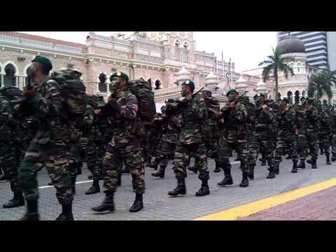 Perarakan HUT TD 2011 - Gerup Gerak Khas