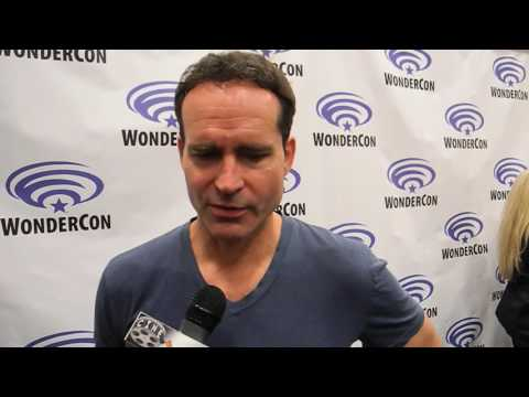 "Jason Patric Talks 'The Lost Boys"" 30 Years Later And His Ongoing Friendship With 2 Co-Stars"