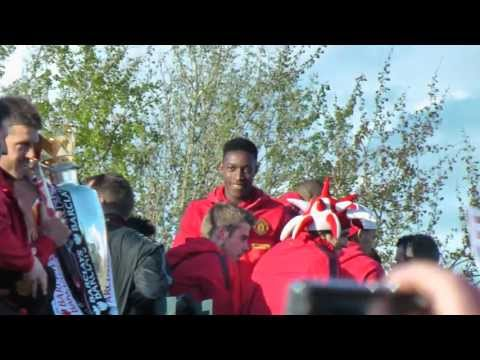 Man Utd Victory Parade through Central Manchester 2013 in HD (part 1 of 2)