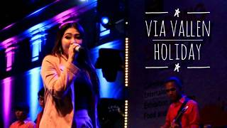 Via Vallen - Holiday   Live Perform 17 November 2018 Gedung Sate, Bandung