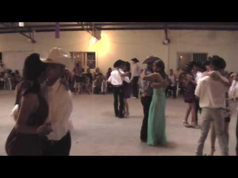 Quinceañera de Vanessa el baile 1